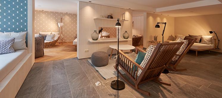 wellness roessle. Black Bedroom Furniture Sets. Home Design Ideas